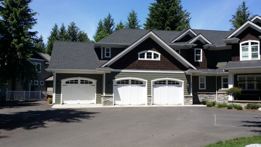 New Construction Amp Home Builder Garage Door Installs